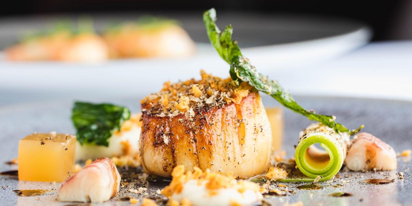 Watch Michelin Chefs Cook Scallops in Different Ways ...